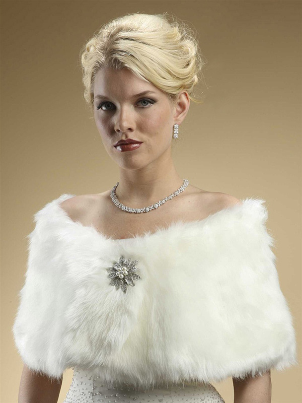 Mariell Faux Fur Bridal Wrap with Ivory Cream Fox