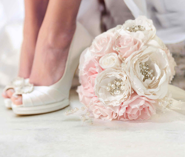 Lillian Rose Chic & Shabby Bouquet-Blush