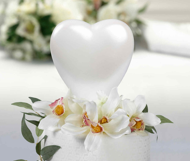 Lillian Rose Heart Caketop