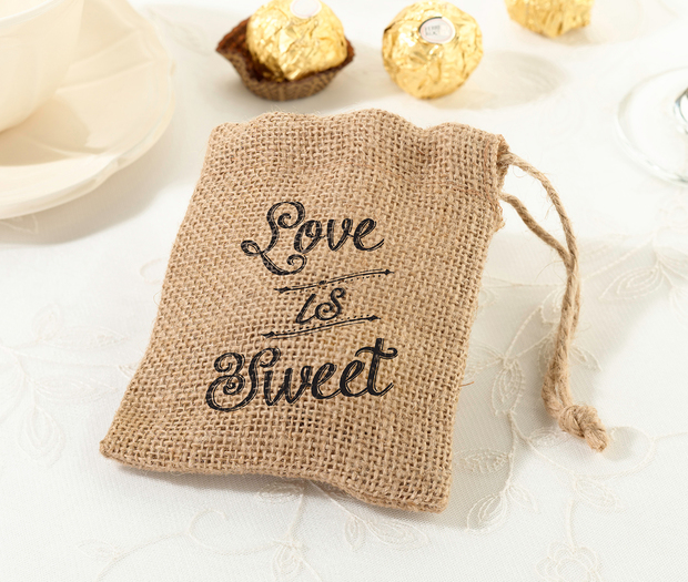Lillian Rose Set of 4 Burlap Favor Bags