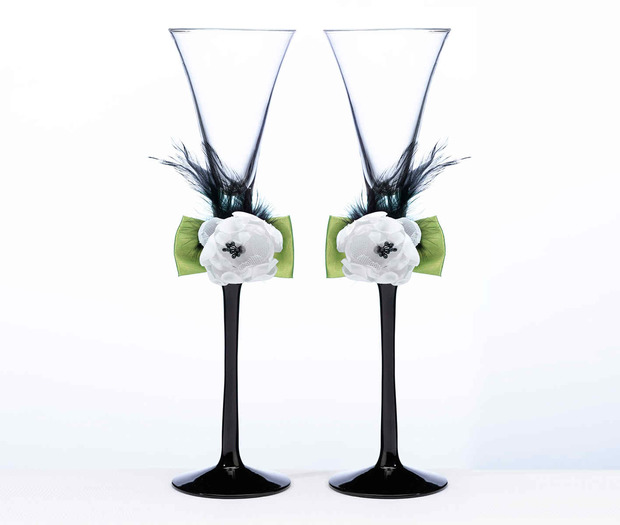 Lillian Rose Green & Black Toasting Flutes