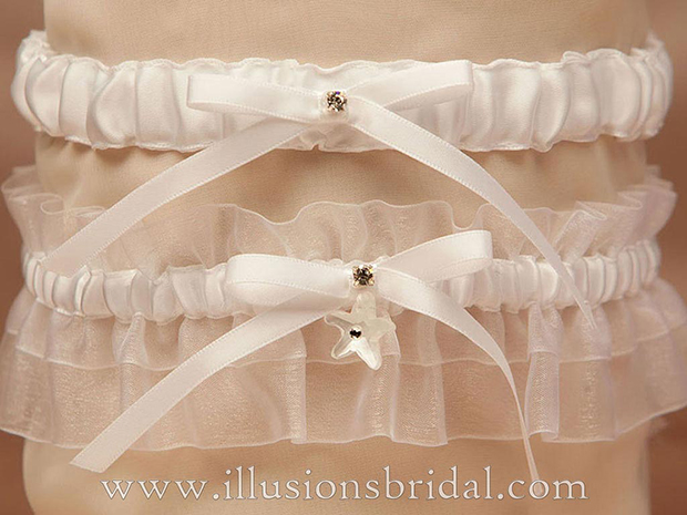 Illusions Bridal Garters and Purses 1012