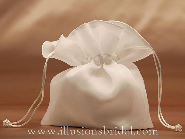 Illusions Bridal Garters and Purses 1501