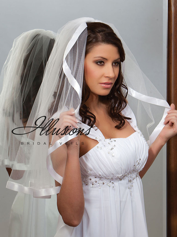 Illusions Bridal Ribbon Edge Veil C1-251-7R: Pearl Accent