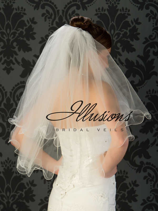 Illusions Bridal Filament Edge Veil C1-302-F: Pretty