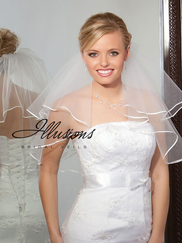 Illusions Bridal Ribbon Edge Veil C7-202-1R: Pearl Accent