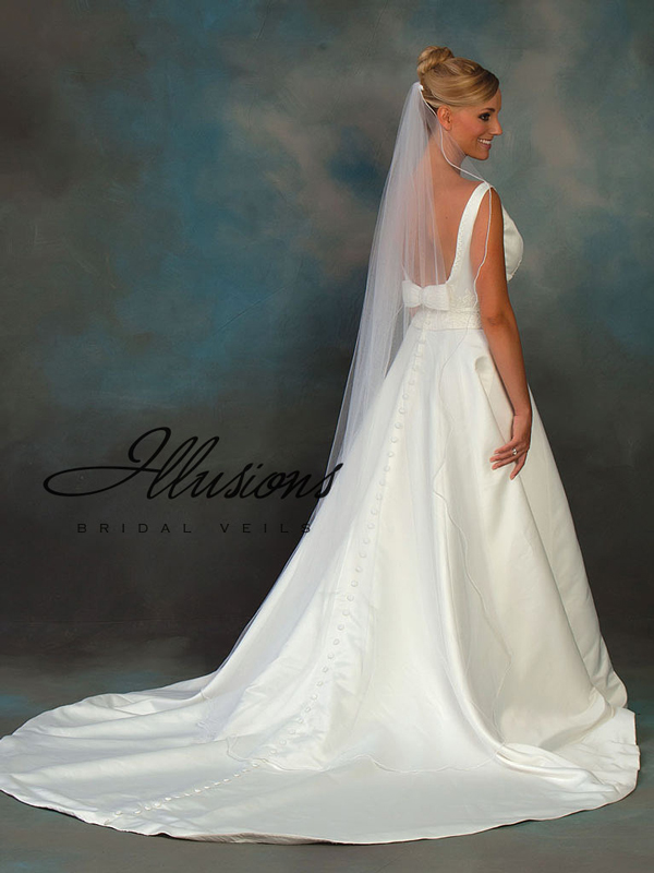 Illusions Bridal Pearl Edge Veil C7-721-P: Pearl Accent