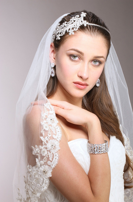 Mariell 1-Layer Ivory Mantilla Bridal Veil with Crystals, Beads & Lace Edge