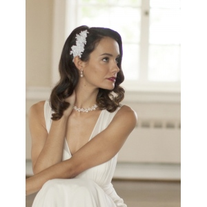 Mariell Top Selling White Beaded Lace Applique Wedding Comb